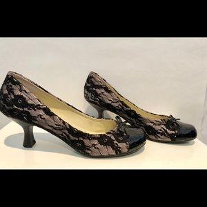 Steve Madden short lace heels